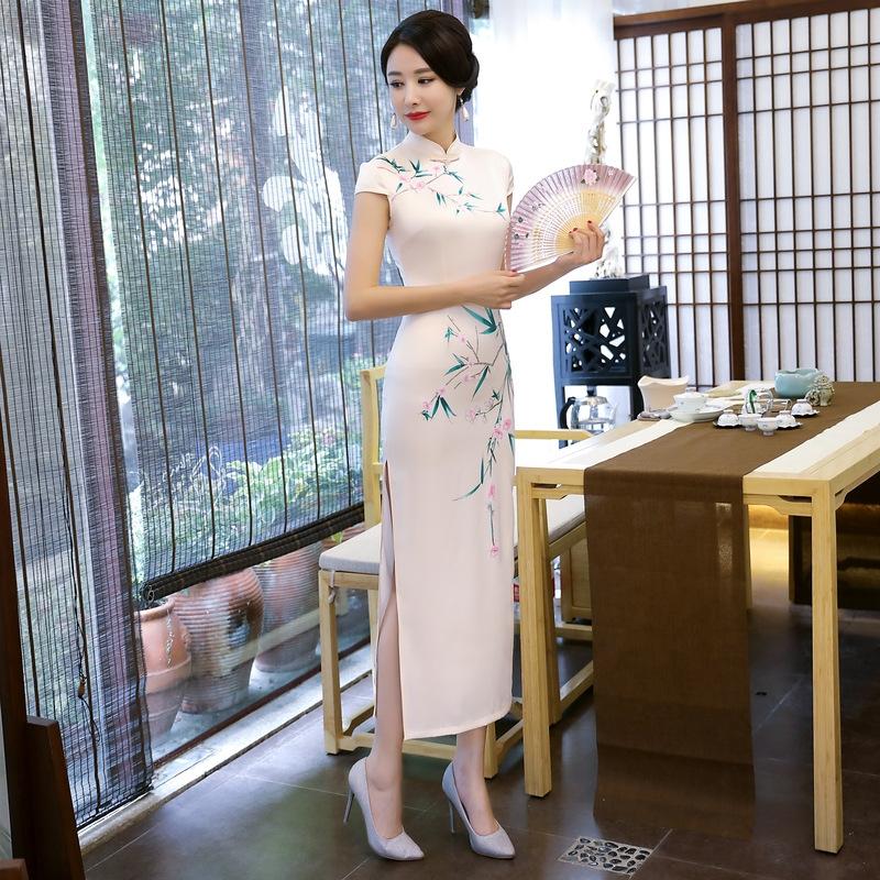 Modern Cheongsam Styles Everyone Can Wear