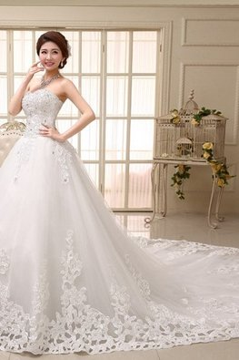 Sweetheart Sequins Applique Chapel Train Wedding Gown (Floor Length avail)