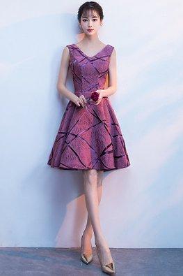 Purplish Red V-Neck Irregular Line Patterned Gown