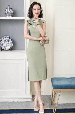 Assorted Colours Mandarin Collar Sleeveless Tassel Cheongsam
