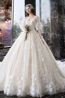 Sweetheart Illusion Puff Sleeves Wedding Gown with Chapel Train