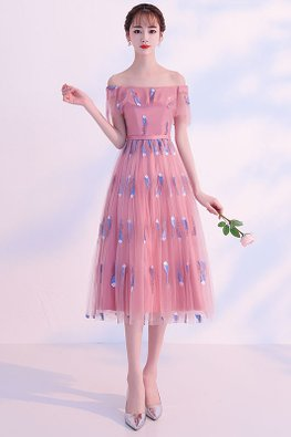Pink / Grey Off-Shoulder Feather Embroidery Lace-up Gown