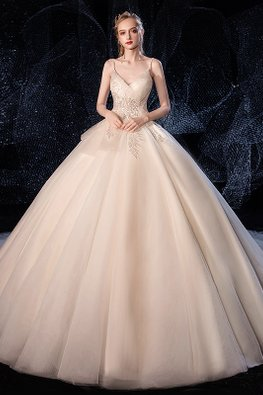 V-Strap Leaf Patterned Embroidery Wedding Gown