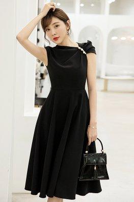 Black Irregular Sleeves Side Pearls A-Line Dress