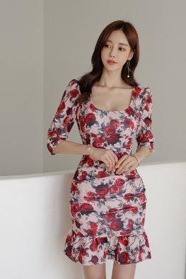 Red Rose Wide U-Neckline Elbow Sleeves Mermaid Dress