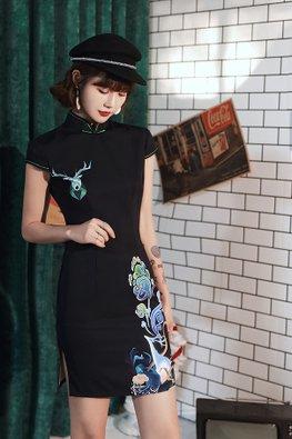 Black Mandarin Collar Green Trimmings Deer Printed Cheongsam