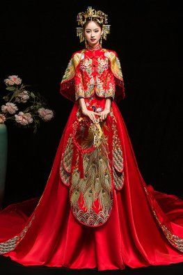 Red Tassel Double Peacock Cape Pleated Kua with Train