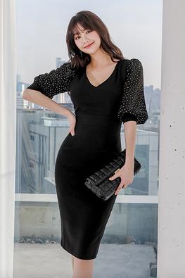 Black V-Neck Illusion Floral Puff Sleeves Sheath Dress