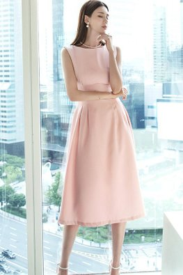 Pink Boat Neck Sleeveless Pleated Structured Dress