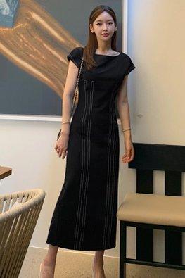 Black Round Neck Cap Sleeves Lined Back Slit Dress